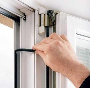 замена уплотнителя окна